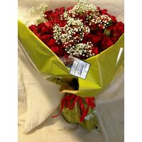 (101) Red Exclusive Dutch Roses 50 cm gift wrapped