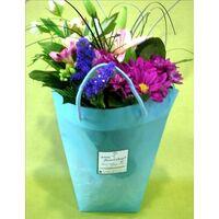 Τσάντα με μπουκέτο λουλουδιών σε νερό