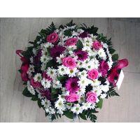 Στρογγυλό καλάθι με λουλούδια