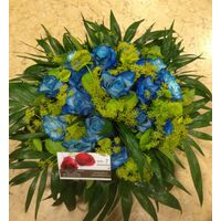 Blue Roses (21) stems exclusive in basket (economy)