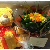 Exclusive bouquet with Teddy Bear 50cm & Chocolates