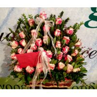 Farfalla Exclusive Roses In Basket !!!