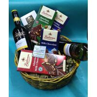 Basket Wine + Chocolates  !!!