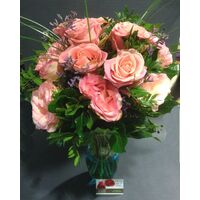Pink Exclusive Big Headed Ecuador Roses Bouquet + Vase