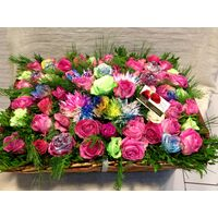 Garden with rainbow roses.Big basket 0,65m.x0,50m. full of flowers!!!