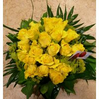 (21) yellow roses A' quality Dutch in basket with greens