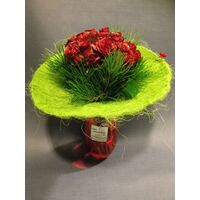 Design bouquet (21) red roses Extra Quality Dutch + Vase!!!