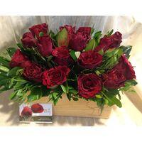 Κόκκινα τριαντάφυλλα σε ξύλινο κασπώ! (21) τεμ.