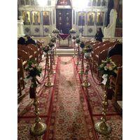 Γάμος. Στολισμός Εκκλησίας Με Λουλούδια σε Παστελ & Ροζ Χρώματα.