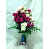 """Μπουκέτο με τριαντάφυλλα """"Πολυανθή"""" + Βάζο."""