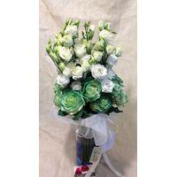 Πράσινα & Λευκά λουλούδια σύνθεση σε γυάλινο . Ανθοπωλείο στη Νέα Σμύρνη.