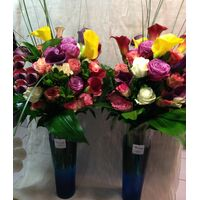 """Twins"" Vases with  +35 ecuador roses & Exclusive  Flowers & Decoration"