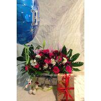 Καλάθι Γενεθλίων Λουλούδια Εποχής + Μπαλόνι + Αρκουδάκι + Σοκολατάκια