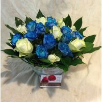 Blue & White Roses (20 total) stems exclusive