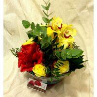 Λουλούδια Εποχής Σε Γυάλινα . Ανθοπωλείο στη Νέα Σμύρνη.