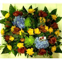 Σύνθεση με ιδιαίτερες ποικιλίες λουλουδιών σε καλάθι. Άνοιξη + Φύση  !!!