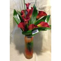 Callas in glass vase with decoration (10) stems