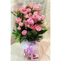 Pink Spray Roses (20) stems in vase.
