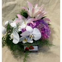 Arrangement in vase with decorative colored sand layers!!! Exclusive Flowers !!!