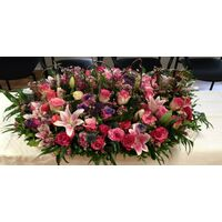 Flower table arrangement. (100) roses