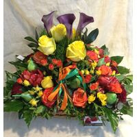 "Winter ""big"" basket with elegant flowers."