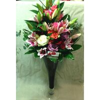 Design Vase with  +50 ecuador roses & Exclusive  Flowers & Decoration