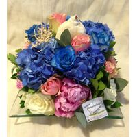 "Flower arrangement on glass tray ""blue sea"""