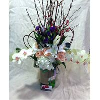 Exclusive arrangement in glass  vase.