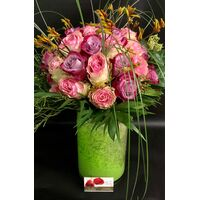 "Biedermeier bouquet. (50+) big headed roses. ""Ball Shape"" + Vase with Decoration."