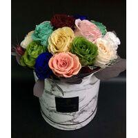 """Τριαντάφυλλα Βαλσαμωμένα (forever roses) (12 τεμ.). Σε διακοσμητικό κουτί """"καπελιέρα"""""""
