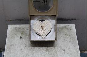 """Τριαντάφυλλο βαλσαμωμένο σε σύνθεση. Φυσικό μεγάλο κεφάλι (10 cm) επεξεργασμένο!!! Νέο Είδος !!! """"Σχήμα ΚΑΡΔΙΑΣ"""" Λευκό."""