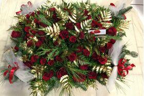 Κόκκινα τριαντάφυλλα (85)τεμ. σε καλάθι  με Χριστουγεννιάτικο άρωμα!!!
