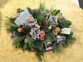 Ανθοπωλείο flowershop.gr Εορταστικές συνθέσεις Λουλουδιών σε δίσκο