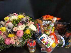 Πασχαλινά Δίδυμα !! Καλάθι με  Λουλούδια !! Καλάθι με Λιχουδιές !! Φρούτα, Σοκολάτες, Κρασί, Αυγά !!!