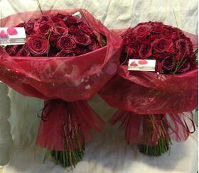 """""""Κόκκινα Τριαντάφυλλα"""" !!! Αγάπη χ 200 !!! (2) Πολυτελή Μπουκέτα (100) τεμ./έκαστο.!!!"""