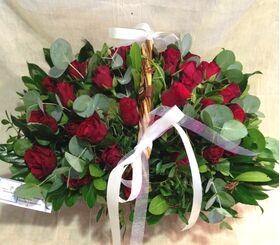 (31) κόκκινα τριαντάφυλλα Ολλανδικά σε καλάθι. Σούπερ προσφορά.Σπέσιαλ
