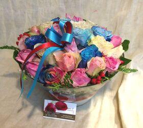 Ανθοπωλείο. (21) τριαντάφυλλα  (διάφορα χρώματα)!!! Πολυτελές.