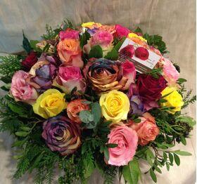 (25) Πολύχρωμα τριαντάφυλλα Εκουαδόρ & Ουράνιο Τόξο σε Καλάθι