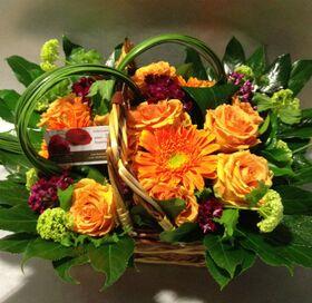 Σύνθεση σε καλάθι με exclusive λουλούδια εποχής σε γκρουπ!!! Ανοιξιάτικη φρεσκάδα!!!