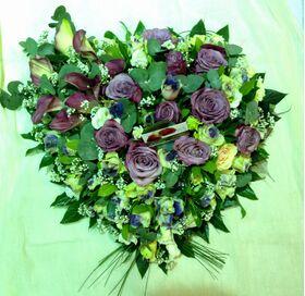 """Καρδιά με """"Μοβ""""  Λουλούδια"""