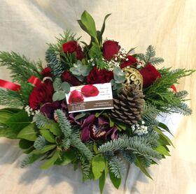 Κόκκινα χριστουγεννιάτικα λουλούδια σε καλάθι. Εξτρα!!!
