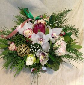Christmas Exclusive flowers basket.