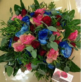 Red and blue flowers bouquet
