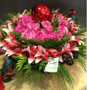 Διάφορα χριστουγεννιάτικα λουλούδια & Μπάλες.Έξτρα !!!