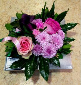 Σύνθεση Εβδομάδας - Άνθη Εποχής - Τυχαίες Ποικιλίες & Χρώματα σε zink ποτ!!! (Μόνο για Αθήνα Κέντρο & Προάστια)