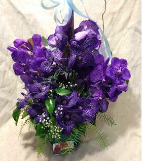 Ανθοπωλείο flowershop.gr Σύνθεση με ορχιδέες βάντα (ή φαλαίνοψις - σιμπιντιουμ)+ Διακόσμηση.Exclusive!!!