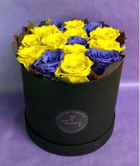 """Roses in decorative  20 cm x 20 cm """"Divine  Hatbox"""". (15) heads."""