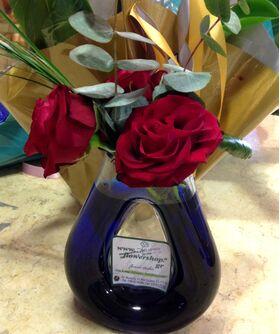 """""""ΈΝΑ"""" τριαντάφυλλο  σε βάζο ή ποτ (πολυτελές)"""