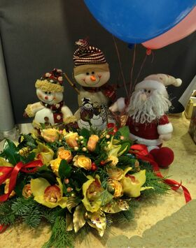 Christmas & New Year Celebrating Arrangements Flowers .Trays.(special)