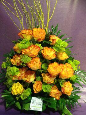 Καλάθι με (21) πορτοκαλί - σομον τριαντάφυλλα